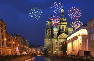 Feuerwerk über der Auferstehungskirche