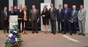 Gruppenfoto von der Verleihung des Preises für gute Gesetzgebung 2016 durch die DGG.